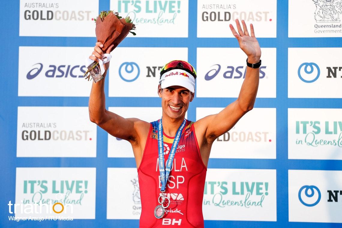 Mario Mola se proclama campeón del mundo por tercera vez